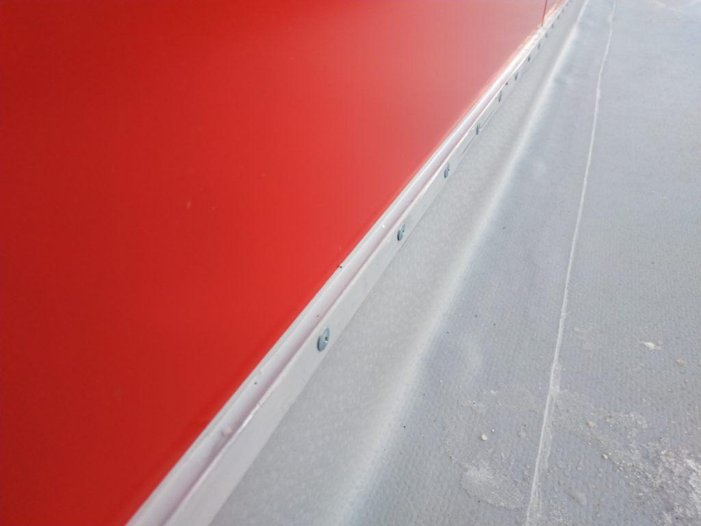 Полиуретановый герметик под планку